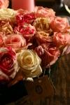 Композиция цветов сердце из нежных роз - Любовь парижанки