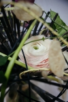 Букет с лютиками и жасмином - Таинственный остров