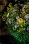 Композиция цветов  - Лукошко с цветами
