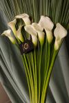 Композиция цветов с каллами - Цветочный дуэт