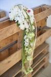 Букет невесты с диантусом и розами - Белый водопад