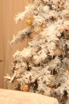 Украшенная ель - Снежная королева