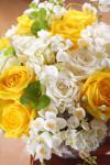 Композиция цветов с розами и жасмином - Утро с Любовью