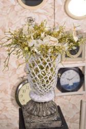 Композиция - Восковая ваза