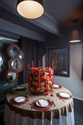 Композиция цветов  - Свадебный пирог