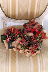 Композиция цветов с анемонами и орхидеями - Сердце Казановы