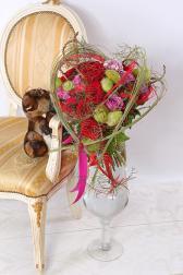 Букет с розами и гвоздиками - Страсть