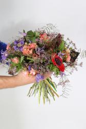 Букет с анемонами и розами - Доуз Райки