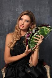 Букет невесты из гвоздик и орхидей - Шик