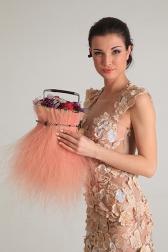 Букет невесты с розами и гвоздиками - Шарлотта