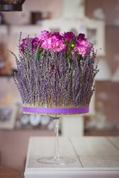Композиция цветов с лавандой и гвоздиками - Аромат Прованса