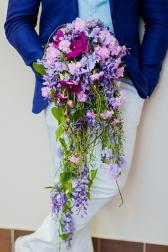 Букет невесты с диантусом и орхидеями - Душистый водопад