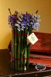 Букет с гиацинтами - Первоцвет