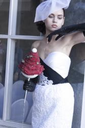 Букет невесты Гламелия из роз - Вишневый сорбет