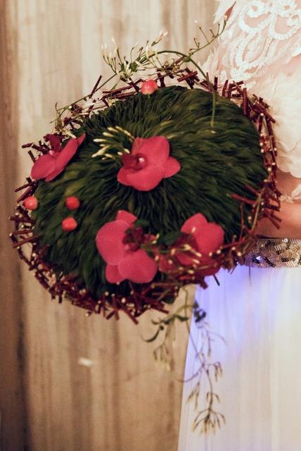 Букет невесты  - Рассвет в лесу