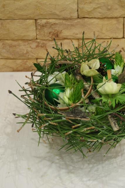 Новогоднияя композиция для украшения стола  - Зеленое чудо