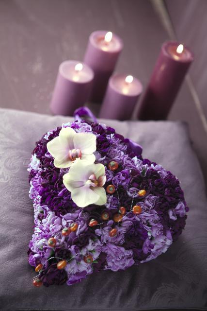 из гвоздик и орхидей - Фиолетовый мусс