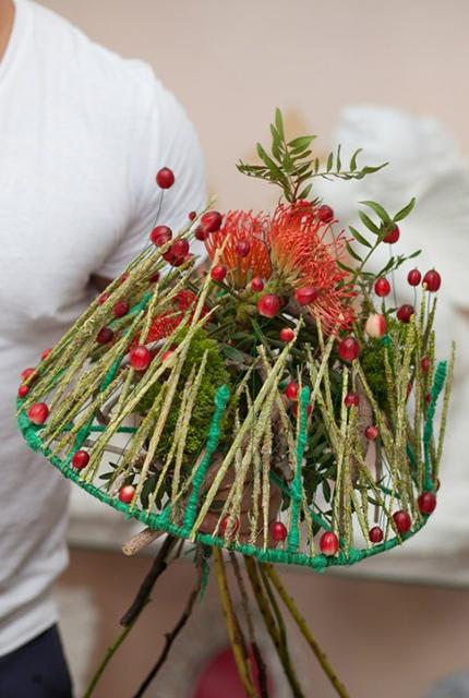 Букет с гвоздиками - Красный лес