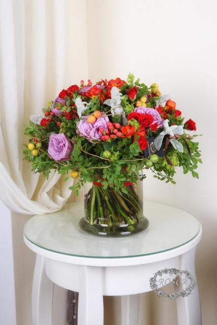 Букет с розами и фрезией - Смоковница