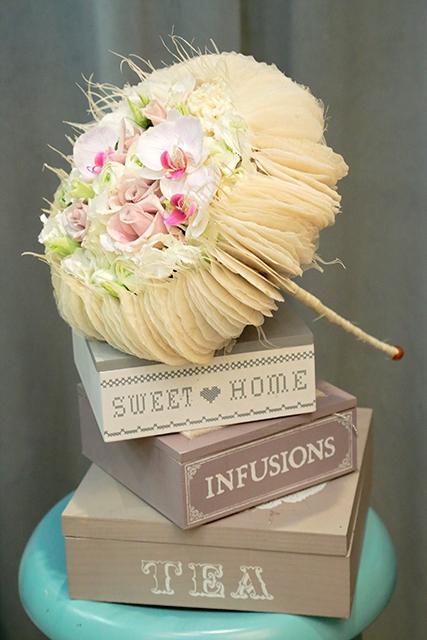 Букет невесты с орхидеями и лютиками - Нежная фантазия