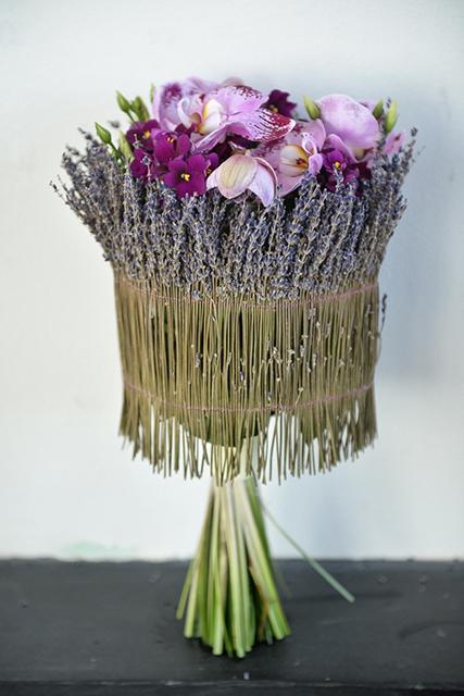 Букет невесты с фиалками и лавандой - Лавандовое настроение
